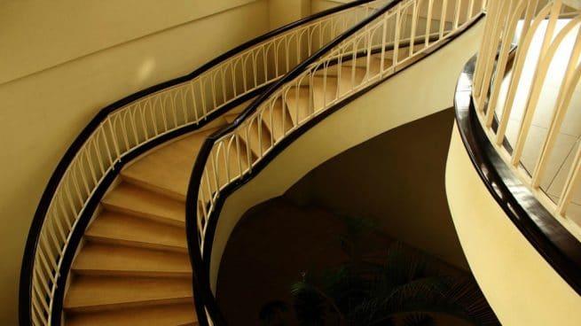 Caer por las escaleras sueño